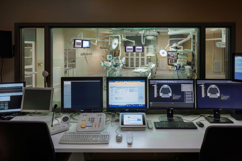 Hybrid Operating Room 10